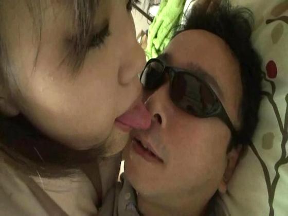 【同人動画】顔舐め乳首舐めで勃起しました(完全オリジナル)のトップ画像
